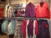 Торгове обладнання б/у (торгові меблі та стелажі) для магазину одягу