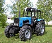 Мощный колесный трактор БЕЛАРУС МТЗ 1221.2 тягового класса,  дизель 132